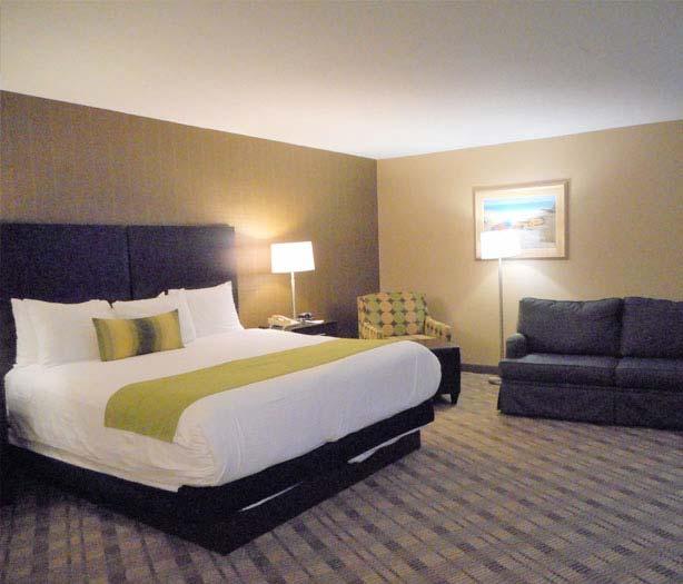 King Suite of Hotel Best Western Airport Inn, Warwick